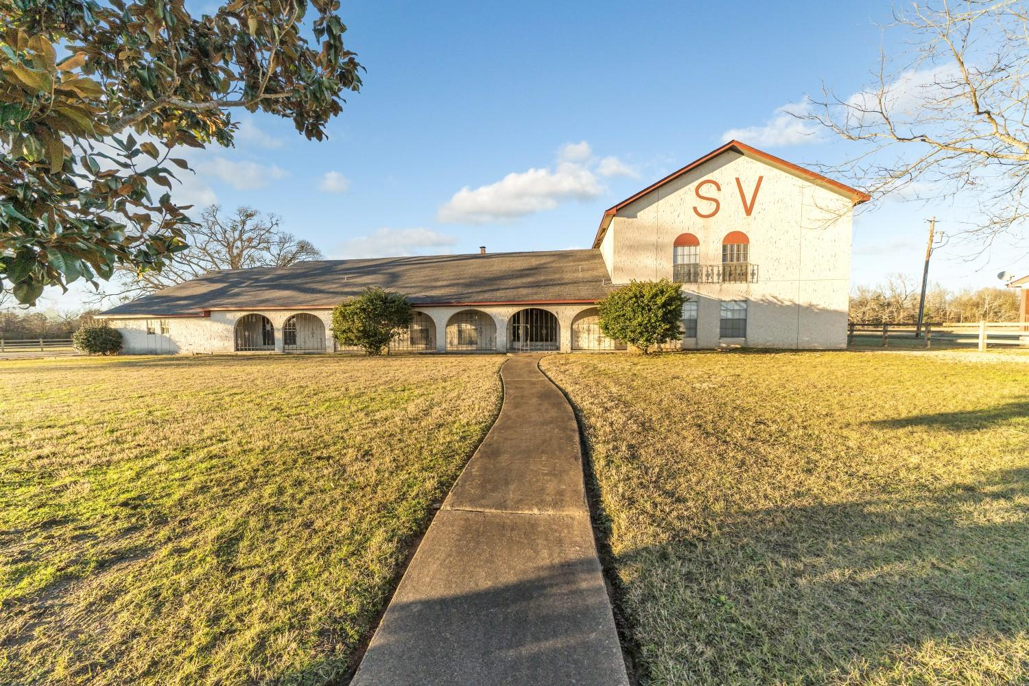 Spitfire Valley Ranch For Sale - East Texas Hay Farm Horse